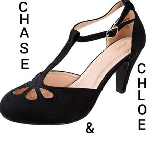 Chase & Chloe size 8 teardrop cut out retro pump